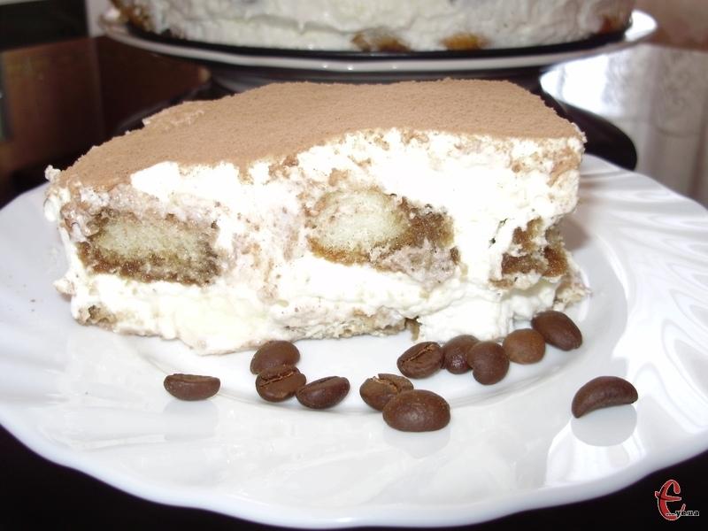 «Тірамісу» – це найпопулярніший десерт у світі. Але, якщо на його основі приготовлений торт, то смачнішого смаколика просто не існує.