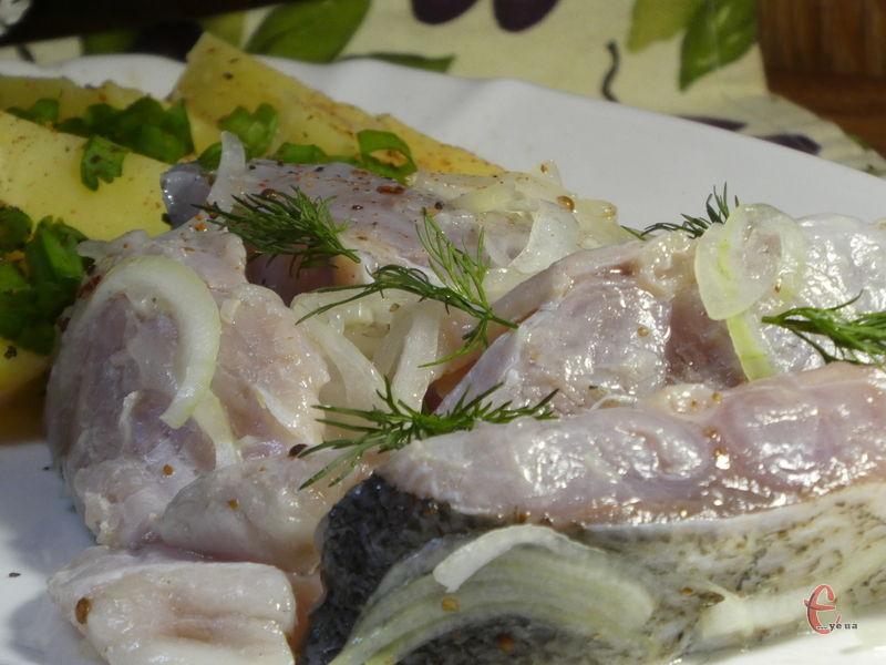 Ця рибка — чудове доповнення до будь-якого столу, і пісного, і святкового.