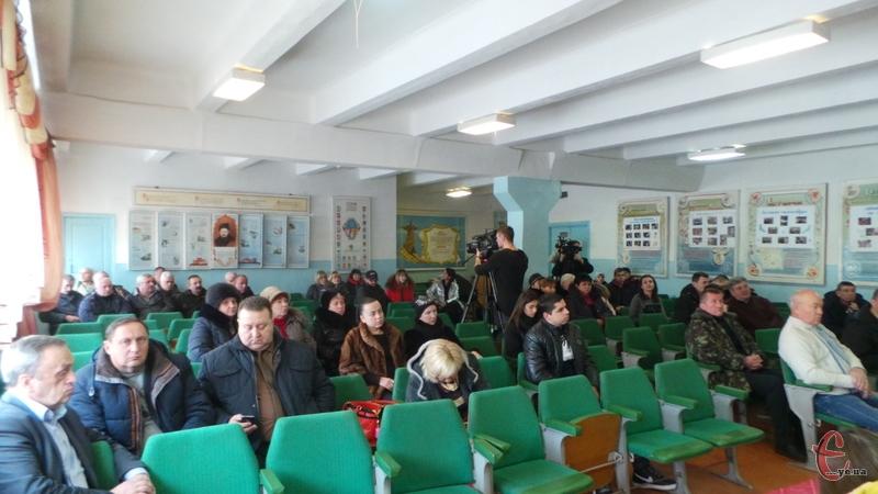 Громадські обговорення відбулись у актовій залі МК