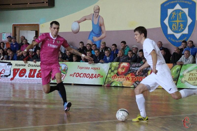 Дмитро Калуков (№7) другий матч поспіль забив два голи. Та цього разу Спортлідер+ програв