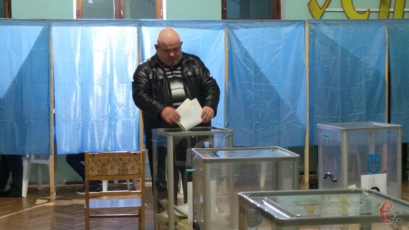 У Кам'янці зафіксували порушення виборчого законодавства