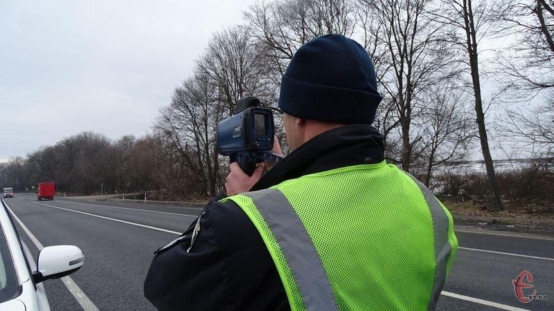 Від 11 лютого хмельницькі патрульні почали використовувати пристрої TruCam для вимірювання швидкості