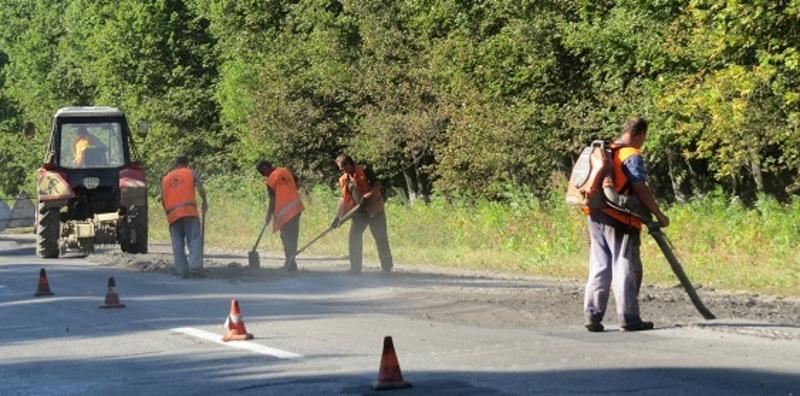 За кошти громад відремонтують дороги у 17 районах