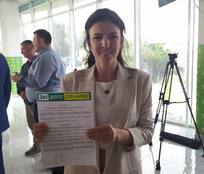 Олену Копанчук звинуватил ив неособистому голосуванні