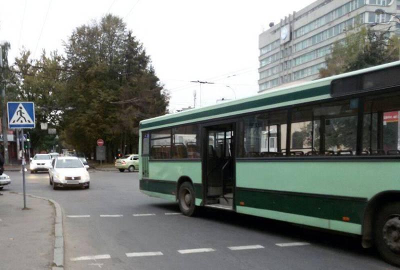 На водія автобуса склали протокол