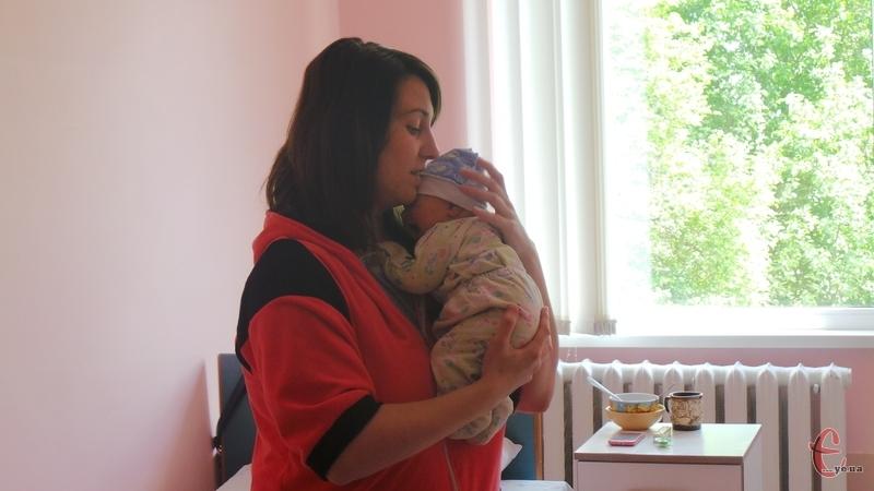 У День матері хмельничанка Альона народила маленького Михайлика
