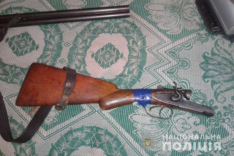 Чоловік з рушниці обстріляв будинок свого знайомого