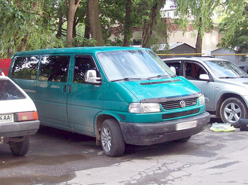 Правоохоронці знайшли авто і затримали ймовірних злодіїв