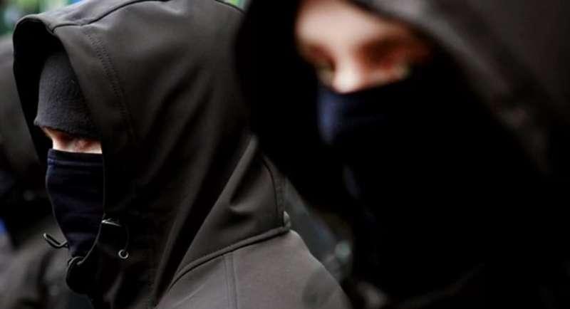 Дунаєвецькі поліцейські встановлюють осіб, які вчинили розбійний напад