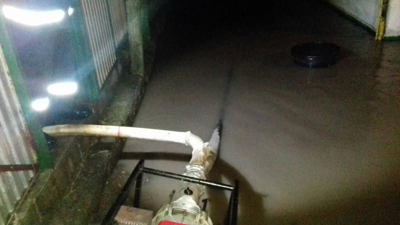 Через сильну зливу домогосподарство затопило