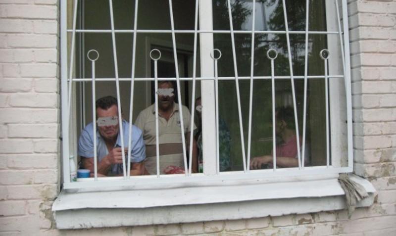 У Дунаєвецькому психоневрологічному інтернаті на Хмельниччині жорстоко поводяться з підопічними