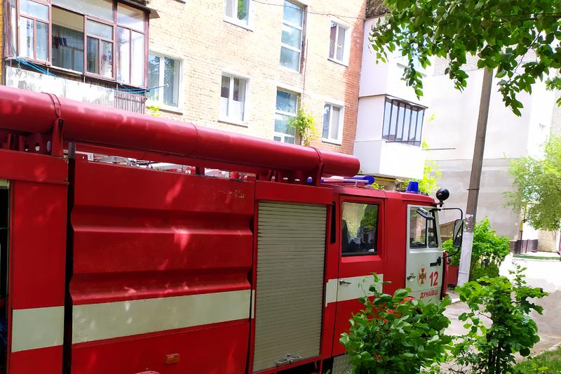 У Дунаївцях вогнеборці врятували чоловіка