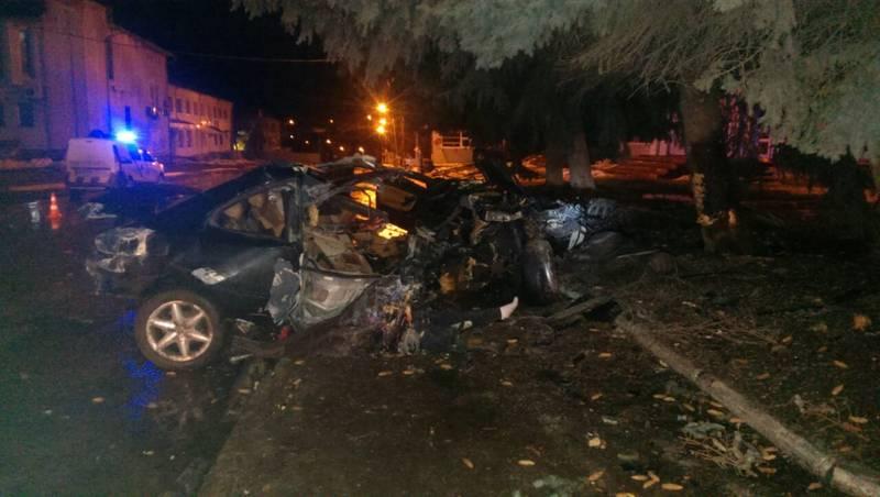 Водія автомобіля забрали в лікарню, пасажир - загинув