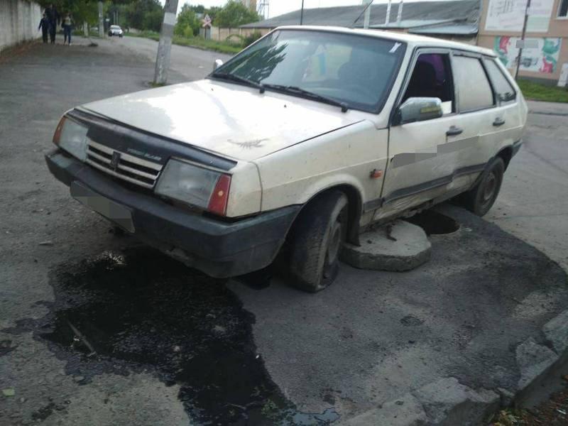 Внаслідок ДТП, автомобіль отримав механічні ушкодження