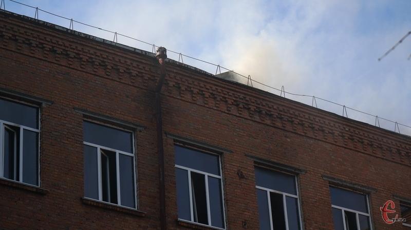 Через пожежу 19 вересня, яка сталася в школі №1, навчання в ній продовжать 24 вересня