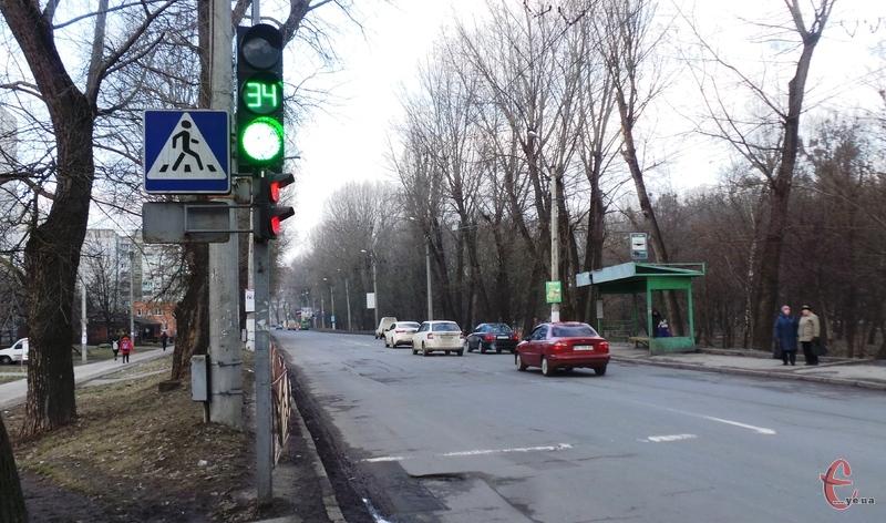 Наразі рух на території міста регулює близько 3,5 тисячі світлофорів