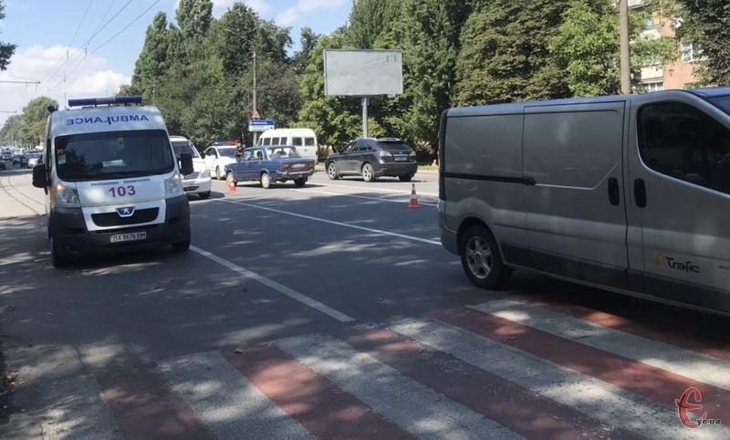 Аварія сталася на проспекті Миру неподалік зупинки Медтехніка