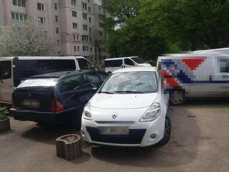 В одній ДТП у Хмельнциькому механічних пошкоджень зазнали 5 автомобілів