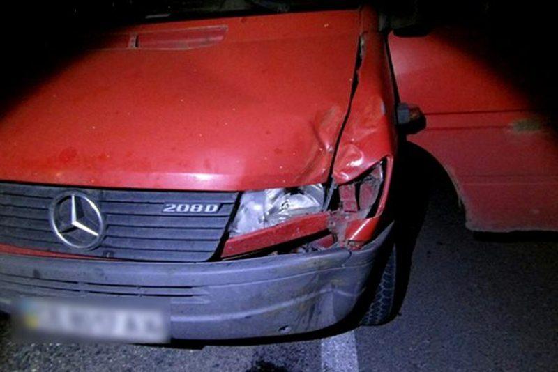 Зловмисник не впорався з керуванням і побив машину