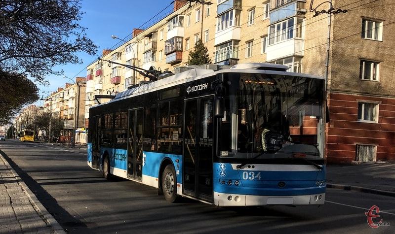 Через омолодження дерев на вулиці Чорновола 8 квітня з 10.00 до 16.00 буде змінено рух тролейбусів