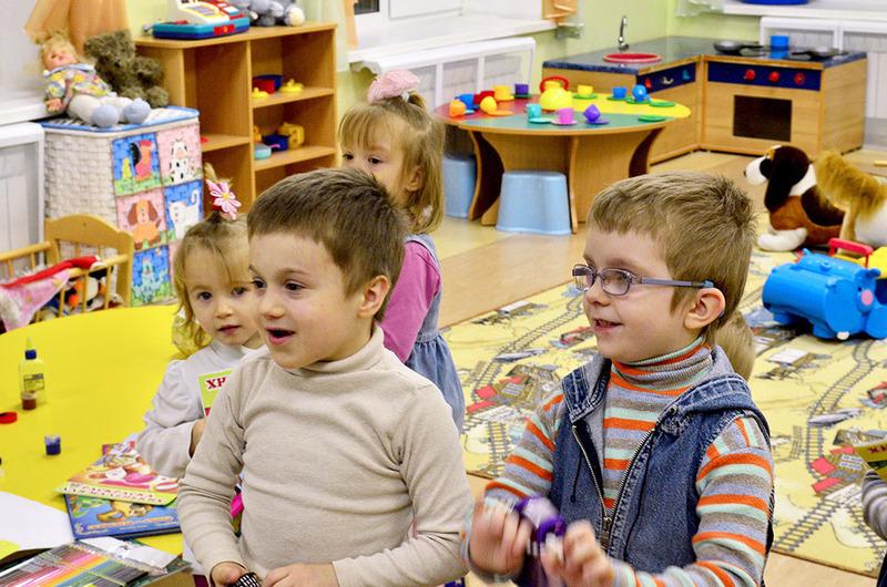 У Хмельницькому дітям-сиротам щомісяця платитимуть 400 гривень