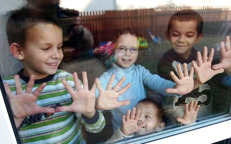 Діти-сироти отримають більше грошей на кишенькові витрати
