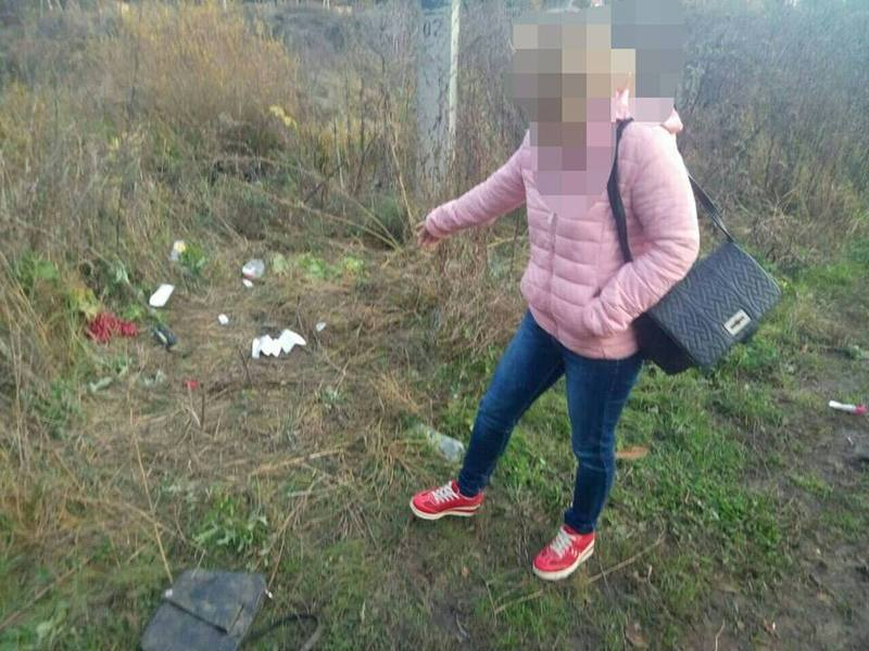 У Хмельницькому дві подруги пограбували та побили 21-річну дівчину