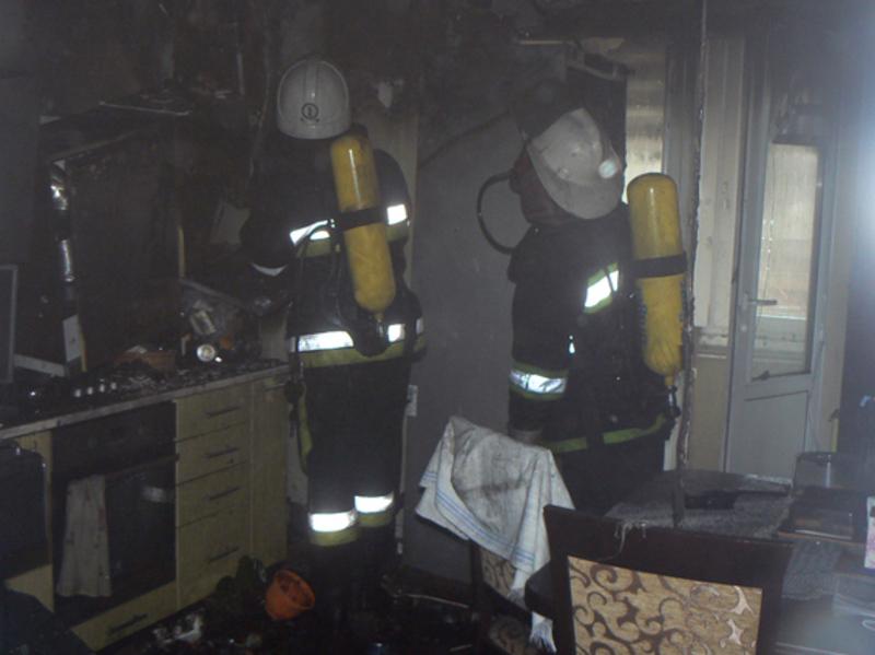 Пожежники врятували з вогню людей