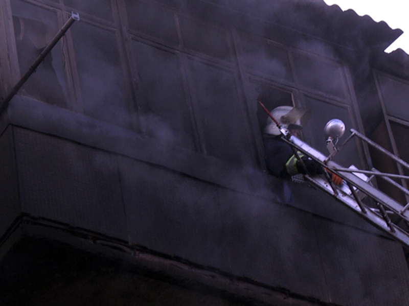 Пожежа виникла на четвертому поверсі