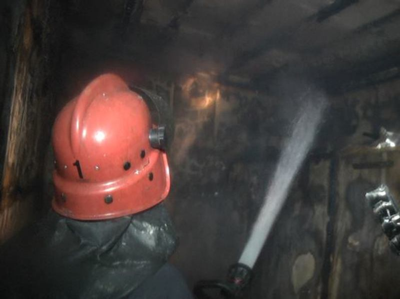 Надзвичайники ліквідували пожежу та врятували трьох відвідувачів