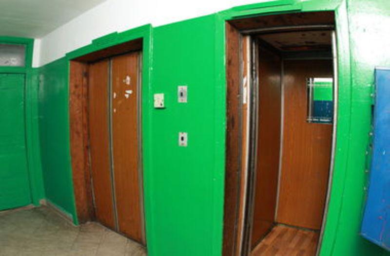 У Хмельницькому ремонтують підйомники