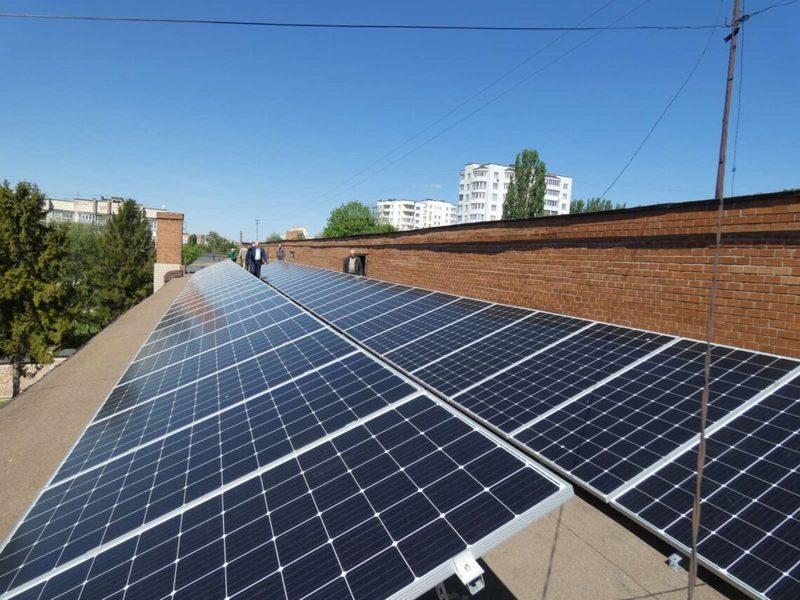На даху Хмельницького політехнічного коледжу НУ «Львівська політехніка» встановили СЕС