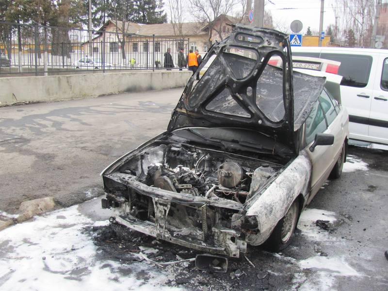 Вогонь пошкодив моторний відсік