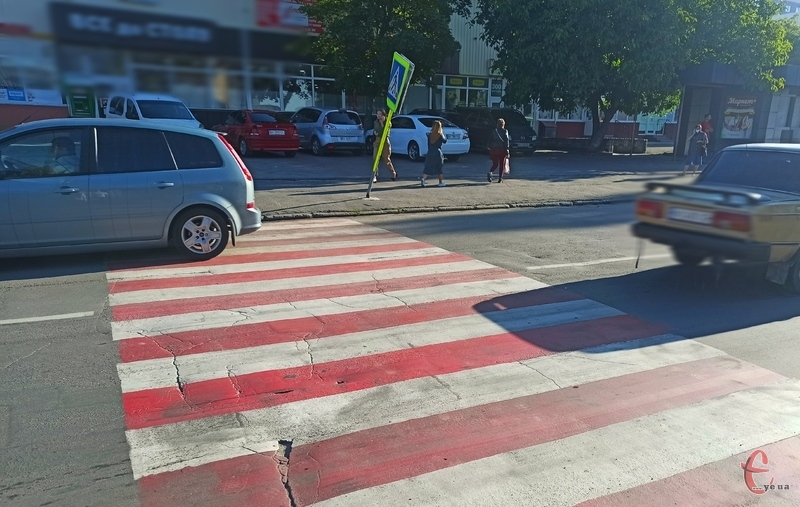 Автопригода сталася на вулиці Зарічанській