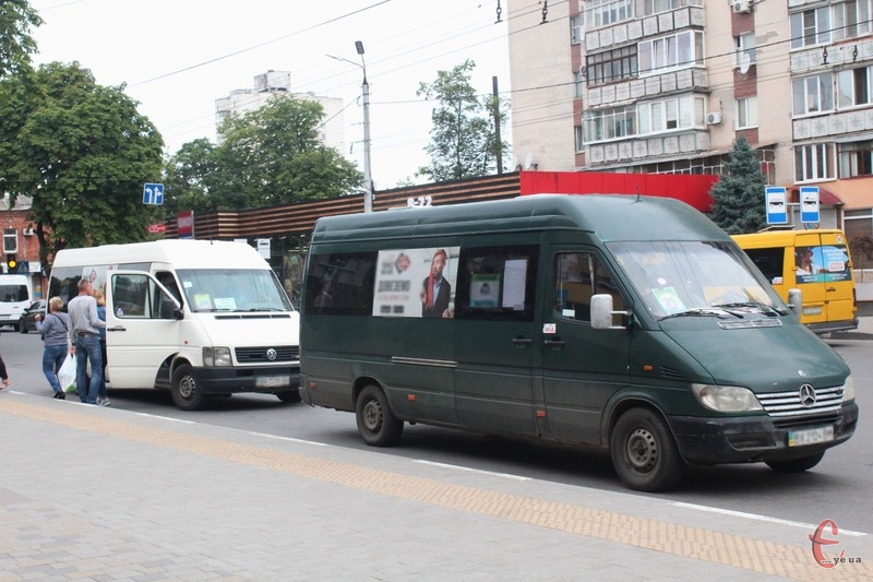 У поминальну неділю в місті працюватиме два додаткові автобусні маршрути
