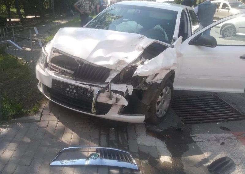 Внаслідок ДТП автомобілі отримали механічні пошкодження