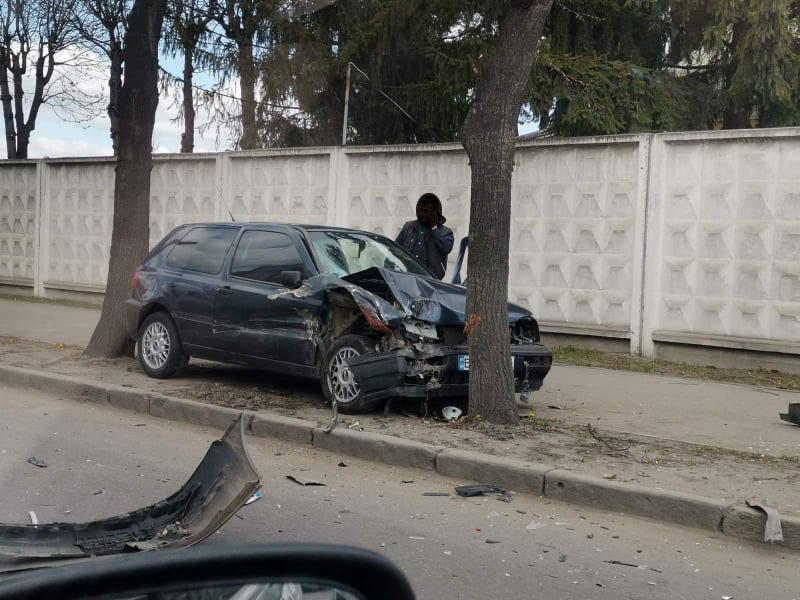 Люди в автопригоді не постраждали