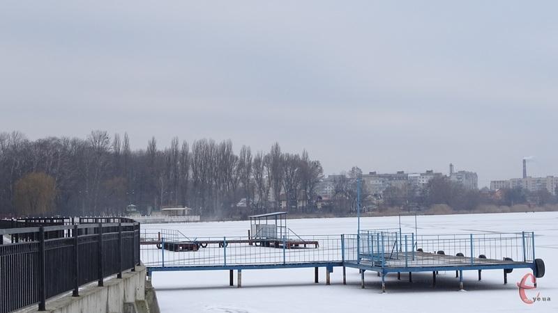 У Хмельницькому обладнають кілька місць для купанн ...