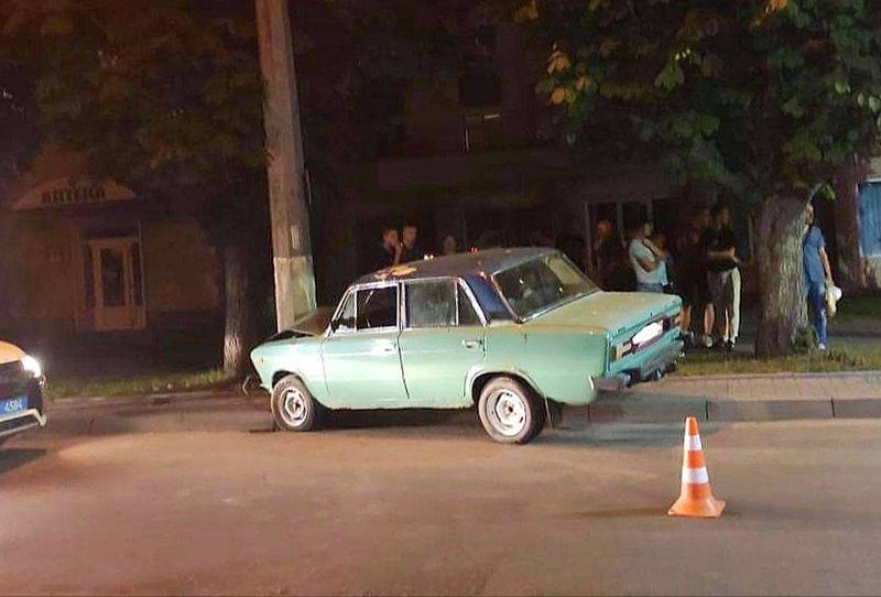 Аварія сталася на вулиці Інститутській