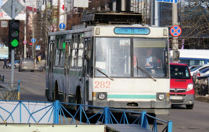 Через ремонтні роботи на водогоні буде змінено рух деяких тролейбусних маршрутів