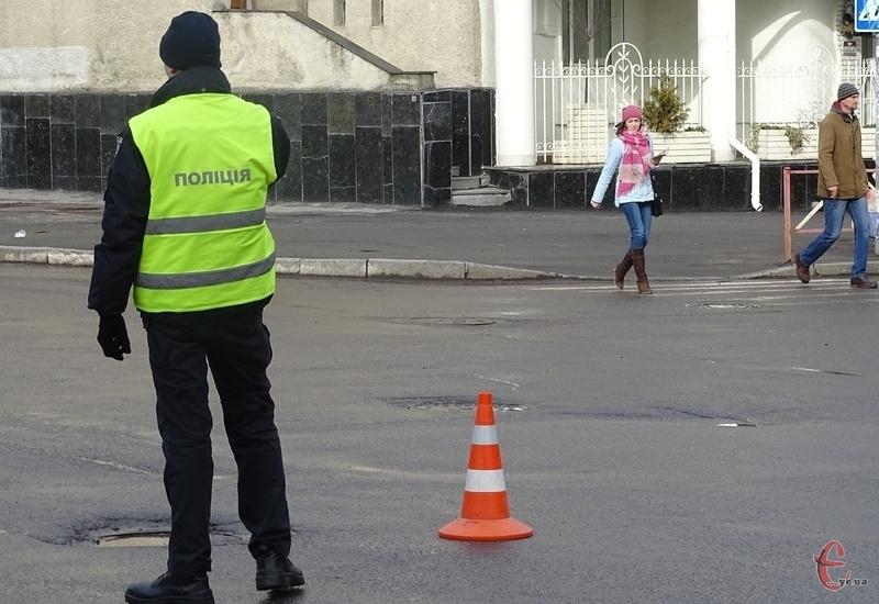Поліція перекриє частини вулиць Грушевського, Володимирську й Гагаріна