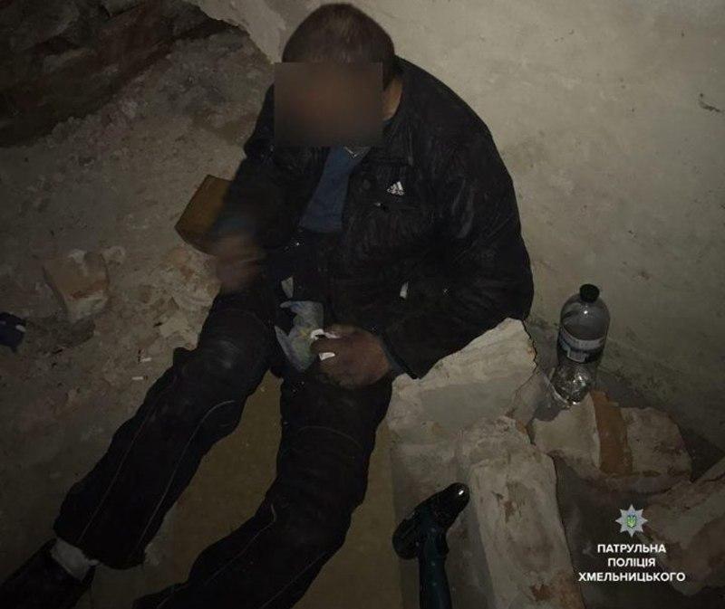 Злодії викрали з гаражного приміщення газовий різак з обладнанням, бензопилу та балони фреону