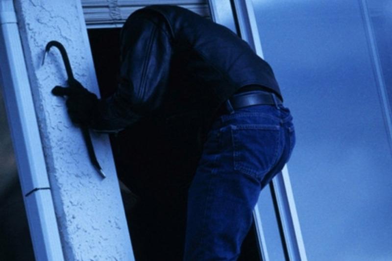 Двоє жінок вчасно помітили, як зловмисники проникли в сусідський будинок