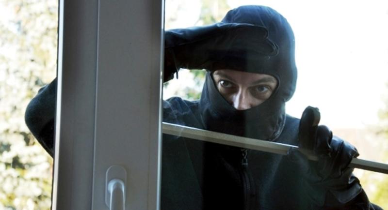 Злодії пограбували квартиру тоді, коли господарі поїхали за місто