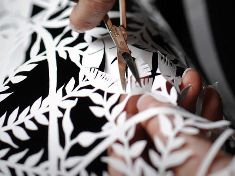 Всіх шанувальників українського декоративно-ужиткового мистецтва запрошують зануритися у казковий світ чарівного мережива паперової витинанки