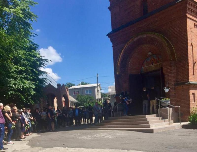 Прощання відбулося у місцевому храмі мікрорайону Лезнево.