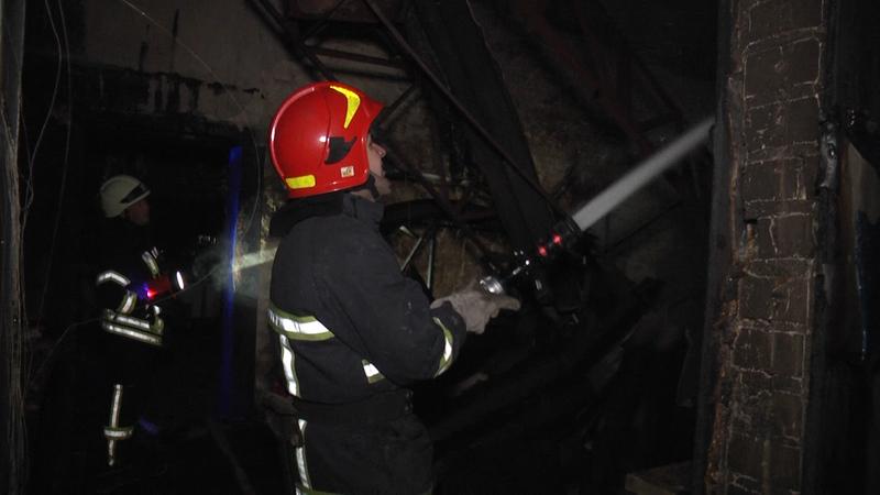 Гасіння пожежі ускладнювало сильне задимлення