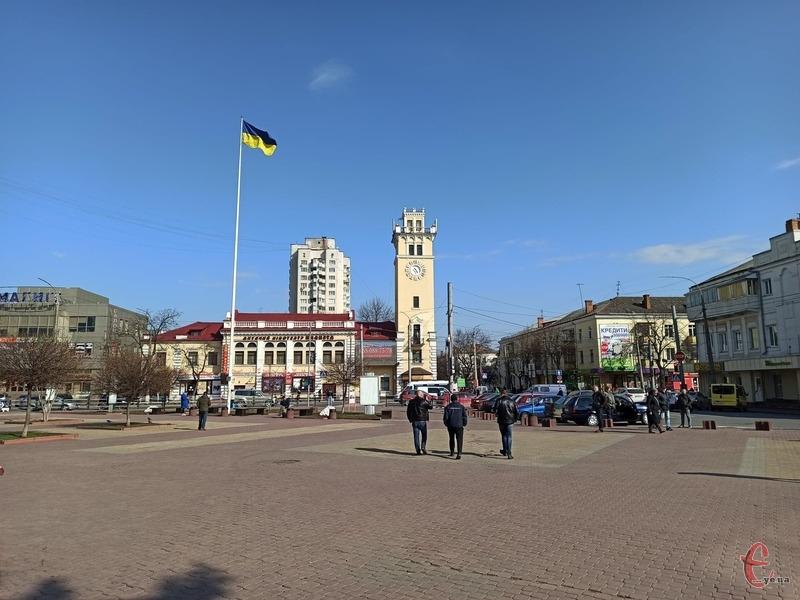 З понеділка, 22 березня в Хмельницькому запроваджують додаткові карантинні обмеження через поширення коронавірусної інфекції в місті
