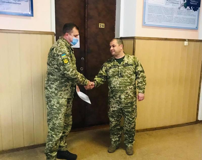 Хмельницький об'єднаний міський військовий комісаріат очолив Валерій Цицюрський (праворуч)