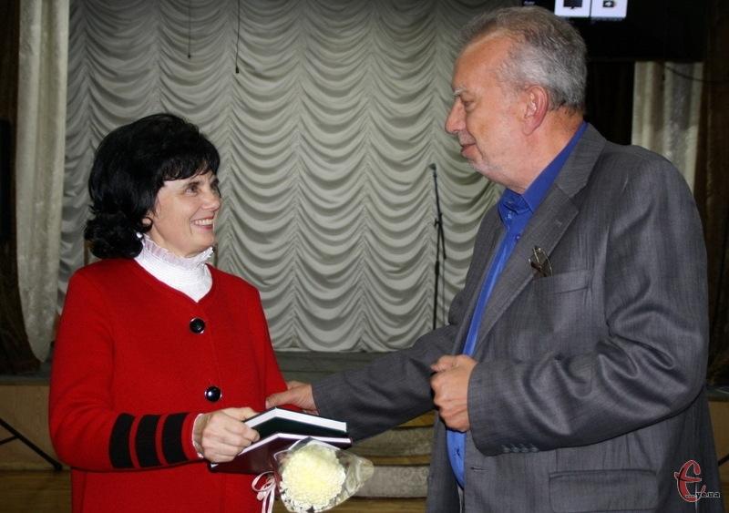 Лідію Яцкову з презентацією привітав і Петро Слободянюк, культуролог, історик, краєзнавець, режисер, диригент